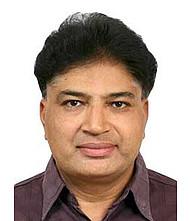 Dr.  Pravin Dungarwal, Physician