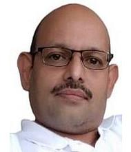 Dr.  Amod Mahajani, Gynaecologist