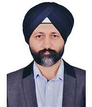 Dr.  Gurdeep Avinash Ratra, Orthopedician
