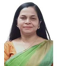 Dr.  Nanda R Kumar, Gynaecologist