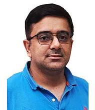 Dr.  Prashant Kathuria, Physician