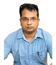 Dr.  Vineet Mittal, Physician
