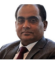 Dr.  Sanjeev Saxena, Cardiologist